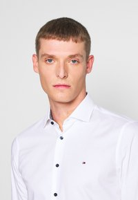 Tommy Hilfiger Tailored - SLIM FIT - Camicia elegante - white - 4