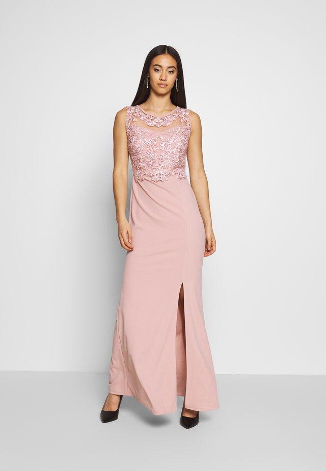 LAYERED MAXI DRESS - Robe de cocktail - blush