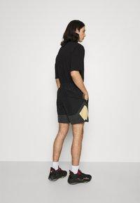 Jordan - Shorts - black/smoke grey/citron pulse/electric green - 2