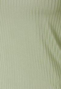 NA-KD - ROUND NECK - Topper langermet - khaki - 2