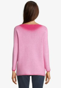 Betty & Co - MIT STRUKTUR - Jumper - lipstick pink