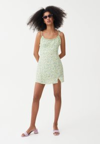 PULL&BEAR - PRINTED MINI  - Day dress - green - 1