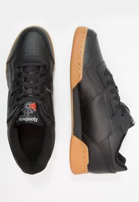 Reebok Classic - WORKOUT PLUS - Sneakers - black/carbon/red/royal - 1