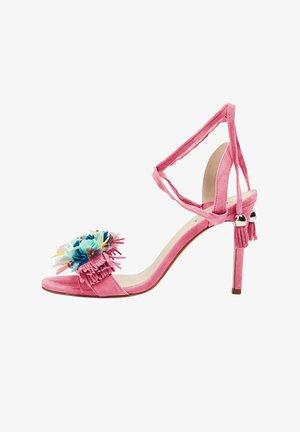 Sandales à talons hauts - pink