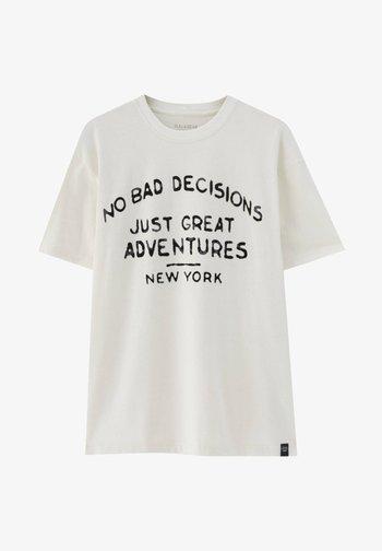 NO BAD DECISIONS - Print T-shirt - white