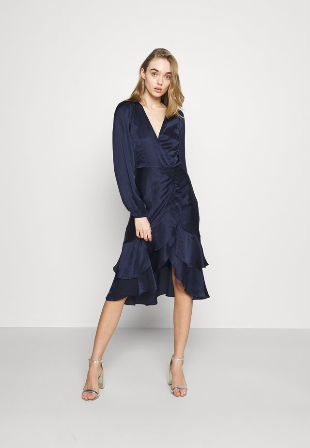 EYES ON ME RUCHED DRESS - Vestido de cóctel - navy