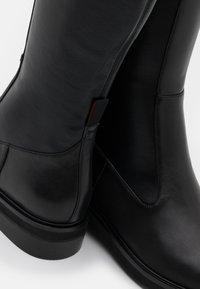 MAX&Co. - BREMA - Cuissardes - black - 4
