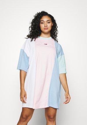 COLOR BLOCK TEE DRESS - Jersey dress - romantic pink/multi