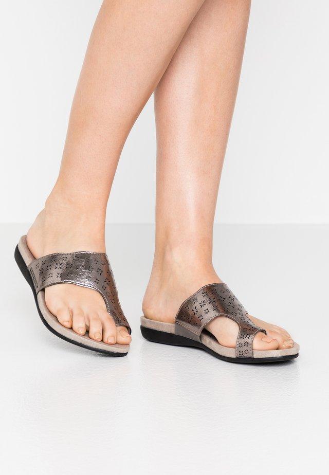 SLIDES - Sandály s odděleným palcem - pewter
