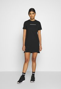 Calvin Klein Jeans - INSTITUTIONAL DRESS - Žerzejové šaty - black - 1