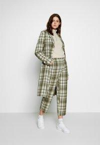 Object Tall - OBJUMA PANT - Kalhoty - burnt olive/gardenia - 1