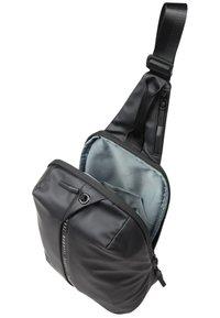 Bugatti - Across body bag - schwarz - 7