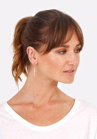 Elli - GEO LOOK BASIC - Earrings - gold-coloured - 0