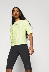 Nike Sportswear - KNEE - Shorts - black - 3