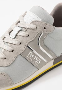 BOSS Kidswear - TRAINERS - Trainers - medium grey - 5