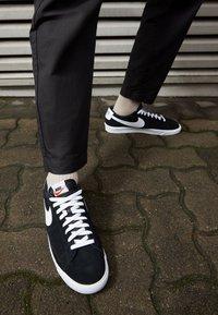 Nike Sportswear - BLAZER UNISEX - Tenisky - black/white - 2