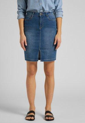 Pencil skirt - mid worn martha