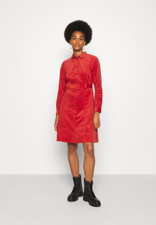 NUMAURYA DRESS - Day dress - barn red
