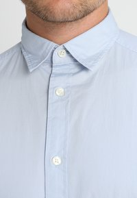 Esprit - SOLIST SLIM FIT - Camicia - light blue - 4