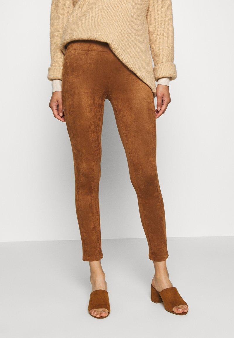 Culture - CUDELIA  - Leggings - Trousers - lion