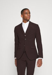 Isaac Dewhirst - THE FASHION SUIT 3 PIECE - Kostym - bordeaux - 2