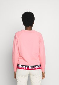 Tommy Hilfiger - KHLOE REGULAR  - Sweatshirt - island coral - 2