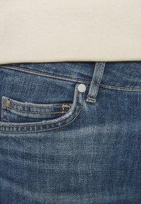 Marc O'Polo - TROUSER MID WAIST - Straight leg jeans - blue denim - 4