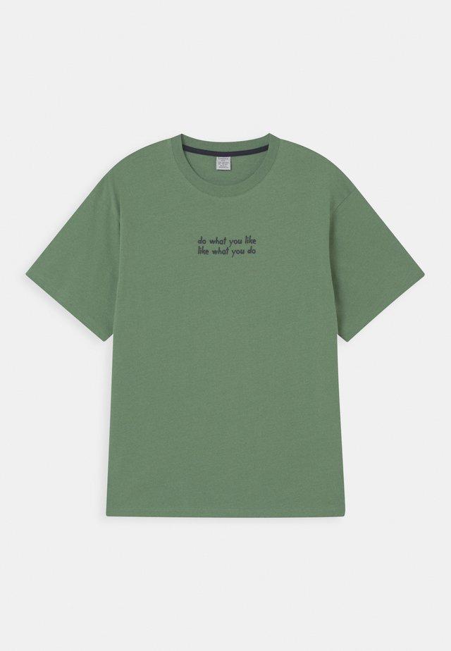 OVERSIZE 2 PACK - T-shirt print - light green