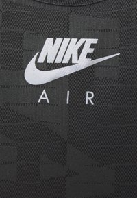 Nike Performance - AIR TANK - Funktionsshirt - black/iron grey/silver - 5