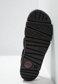 Camper - ORUGA - Sandaalit nilkkaremmillä - black - 6