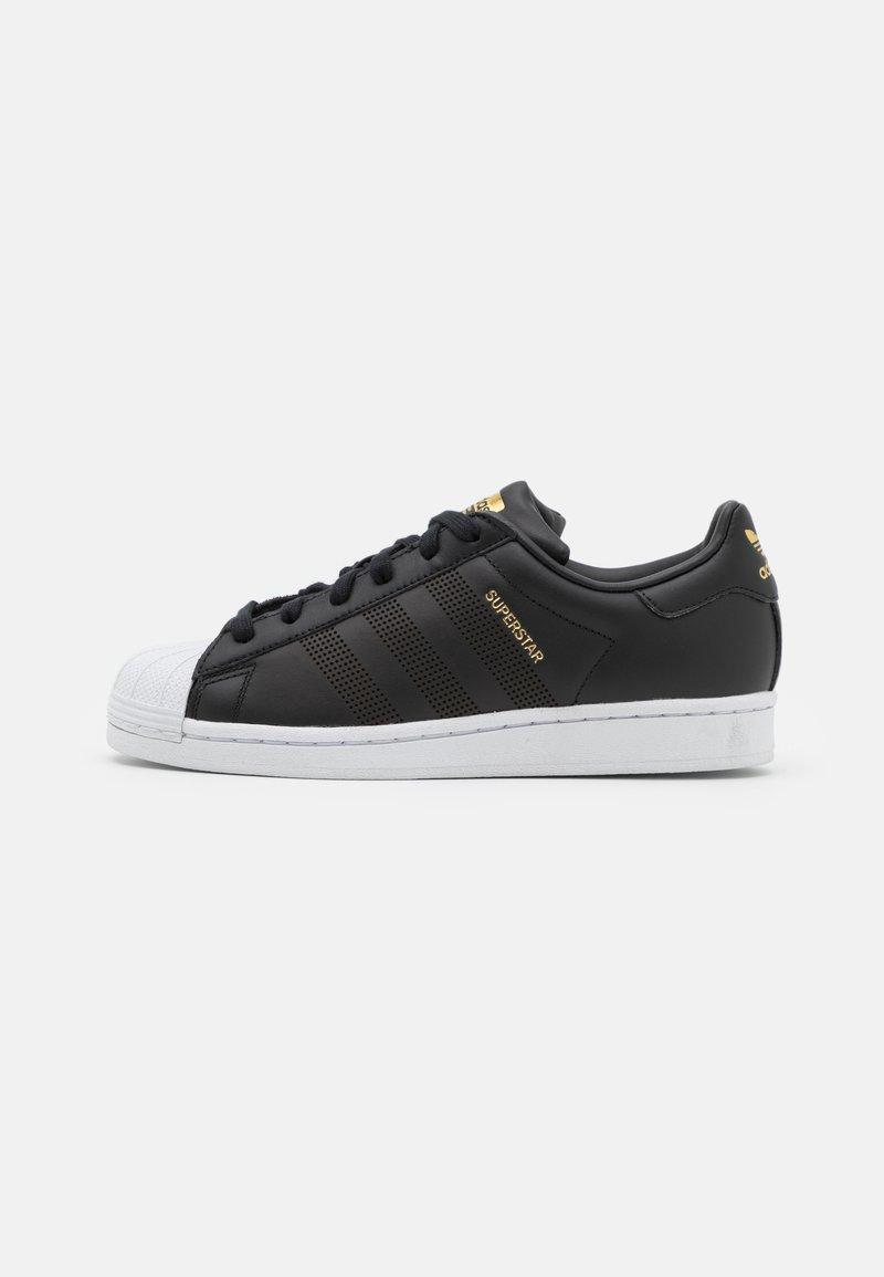 adidas Originals - SUPERSTAR UNISEX - Sneakers basse - core black/footwear white