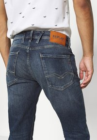 Replay - ANBASS - Straight leg jeans - dark blue denim - 3