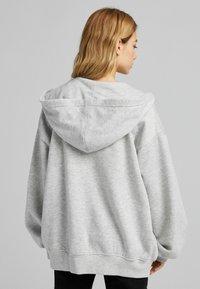 Bershka - OVERSIZE - Sweat à capuche zippé - grey - 1