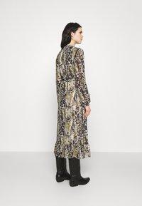 Vila - VIJEMO MIDI DRESS - Day dress - birch/kallia - 2