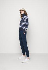 Polo Ralph Lauren - Spodnie materiałowe - east side royal - 1