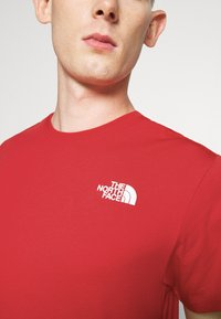 The North Face - MESSAGE TEE - T-shirt con stampa - red - 3
