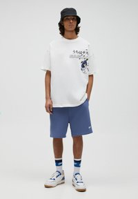 PULL&BEAR - COWBOY BEBOP - T-shirt con stampa - off-white - 0