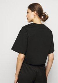 3.1 Phillip Lim - BANANA  - Print T-shirt - black - 2