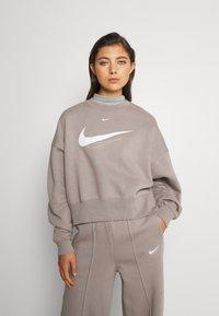 Nike Sportswear - TREND CREW - Bluza - moon fossil - 0