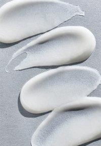 Peter Thomas Roth - PEELING GEL  - Face scrub - - - 2