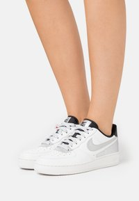 Nike Sportswear - AIR FORCE 1 - Sneakers basse - summit white/black - 0