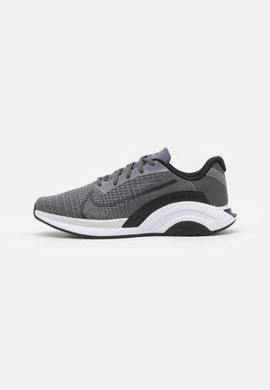 ZOOMX SUPERREP SURGE - Sportovní boty - iron grey/black/white/pure platinum