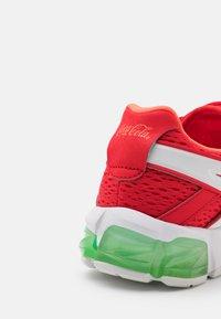 ASICS - GEL-QUANTUM 90 TYO UNISEX - Sports shoes - classic red/black - 5