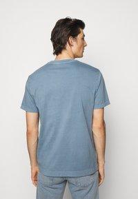 Boglioli - Basic T-shirt - blue denim - 2