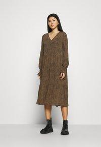 Moss Copenhagen - RIKKELIE DRESS - Day dress - brown - 1