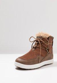Jack Wolfskin - AUCKLAND TEXAPORE BOOT - Winter boots - desert brown/white - 2