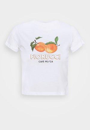 CAFÉ LA PESCA BOXY TEE - Print T-shirt - white