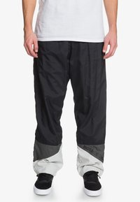 DC Shoes - Tracksuit bottoms - black - 0
