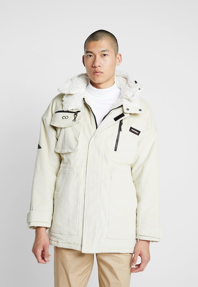 SIGHTING IN VOSTOK  - Parka - white