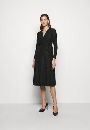 DERBY METALLIC DRESS - Pletené šaty - black